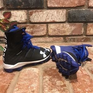 Clutch fit UNDER ARMOUR football cleats NWOT 5Y